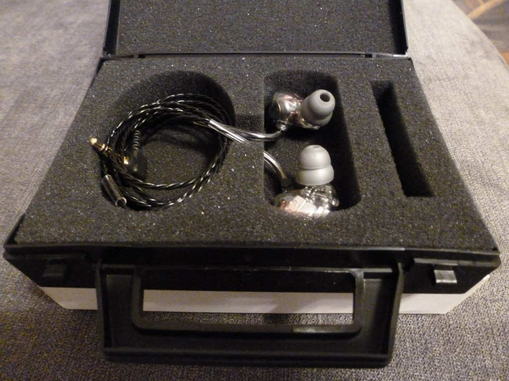 EarSonics S-EM6 in-ear monitor