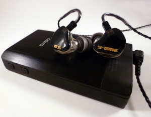 EarSonics S-EM6 in-ear monitor with iBasso DX50