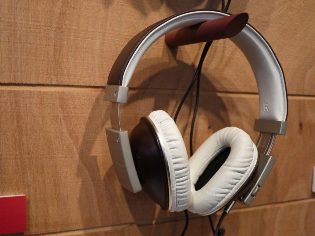 Polk Audio Buckle