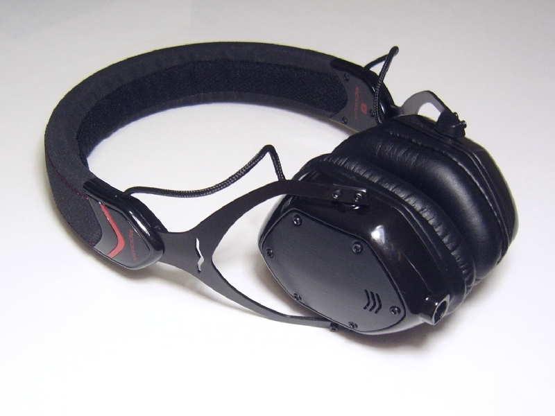 V-Moda M80