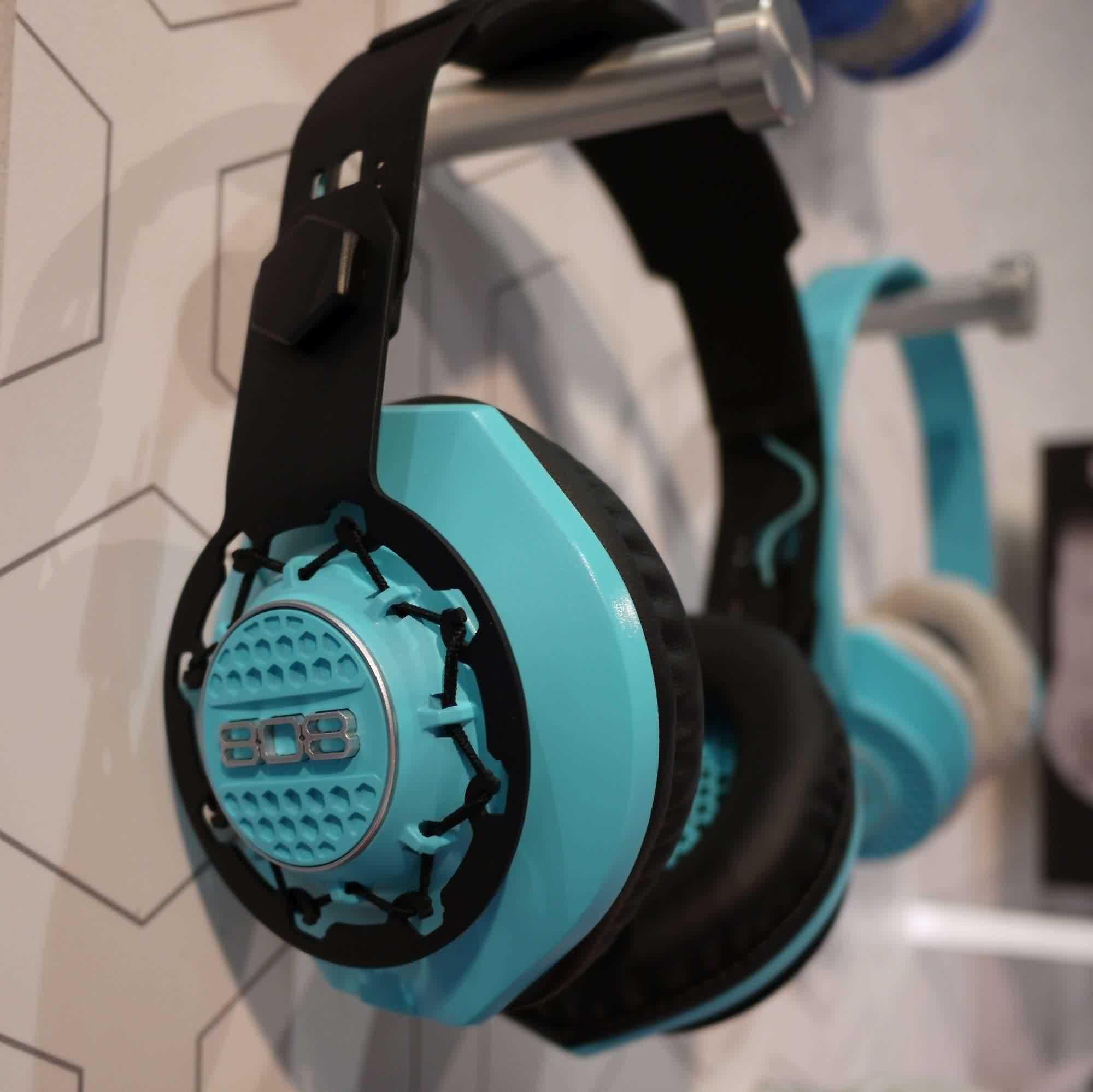 CES 2015 Headphone Coverage Part 1: Monster, Philips, Skullcandy ...