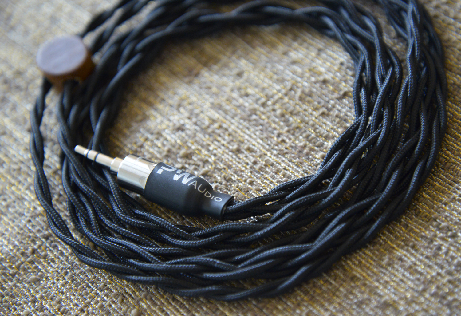 PWaudio\'s 1960\'s Cable | The Headphone List