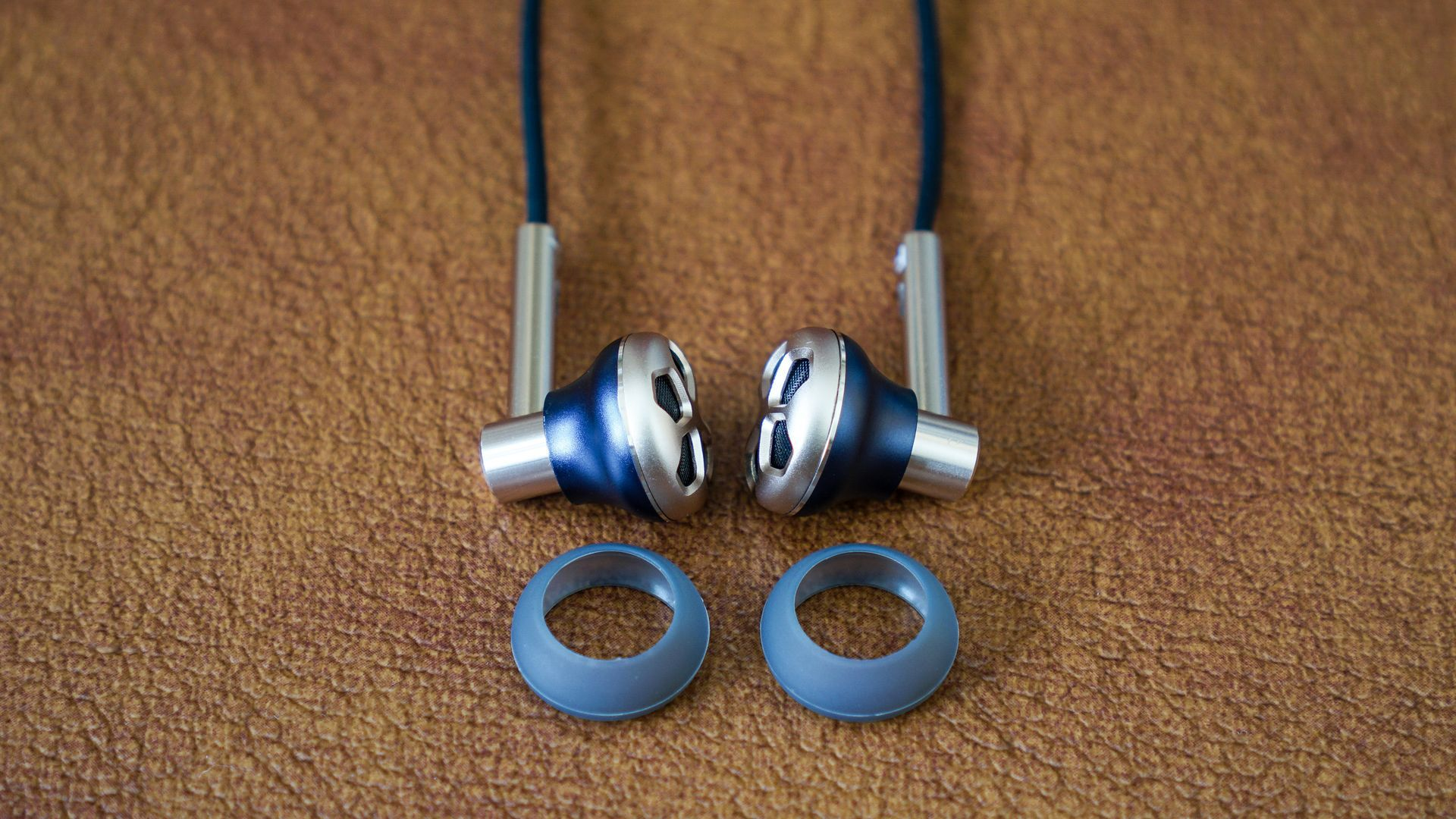 Earphones over ear sony - earbud covers for running