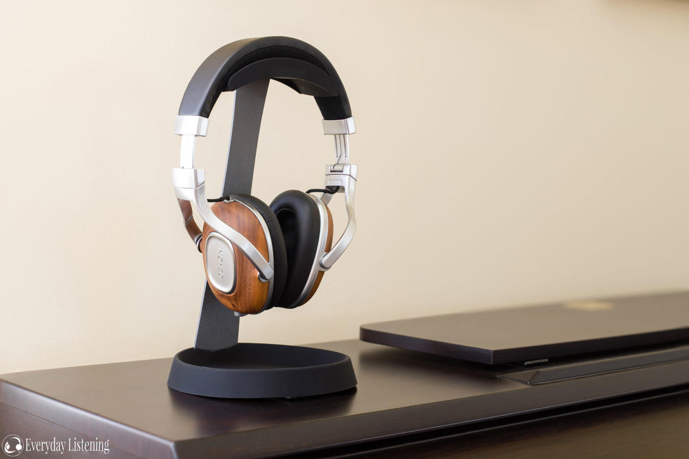 Headphone Stand Designs : Avantree hs headphone stand review the headphone list